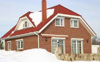 Как сделать полувальмовую двухскатную крышу своими руками?