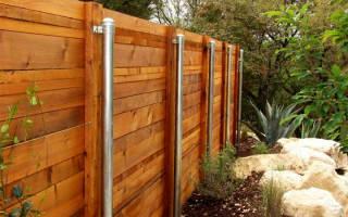 Забор из профильной трубы и досок