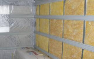 Как крепить пароизоляцию к стене деревянного дома внутри?