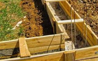 Когда лучше заливать фундамент под дом осенью или весной