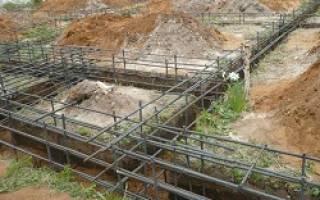 Сколько рядов арматуры нужно для ленточного фундамента высотой 2 метра
