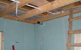 Как правильно проложить проводку в деревянном доме под гипсокартон?