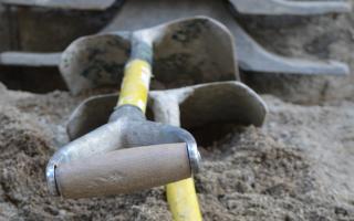 Какой фундамент лучше для дома из бруса на торфяной почве?