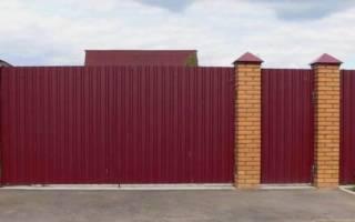 Забор из профнастила своими руками со столбиками из труб размеры