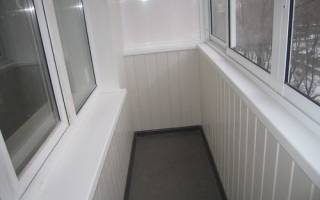 Как обшить балкон внутри сайдингом своими руками?
