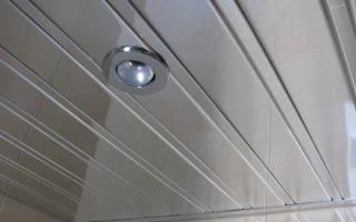 Виды подвесных конструкций из реек для ванны