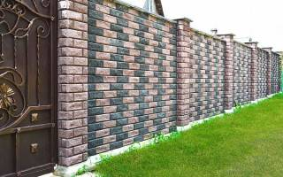 Какой глубины должен быть фундамент под забор с кирпичными столбами?