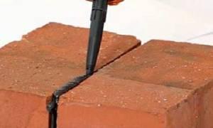 Чем замазать швы между кирпичами на балконе